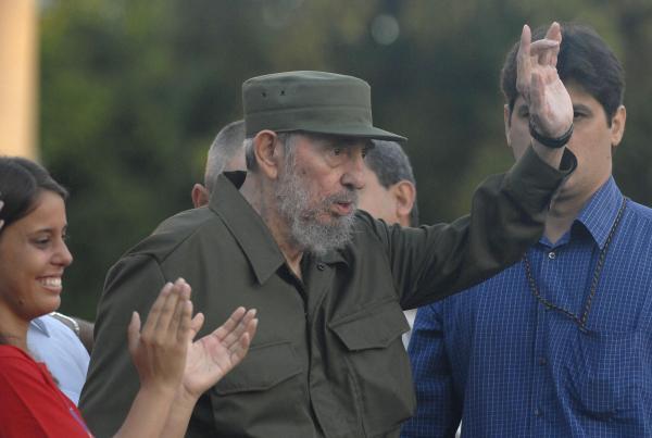 Fidel y los universitarios en la cruzada por la paz