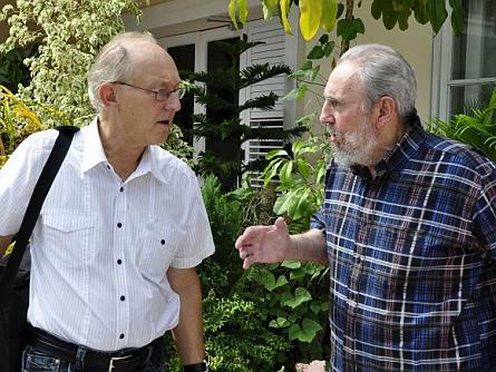 Mensaje de Fidel: «En una guerra nuclear el daño colateral sería la vida de la humanidad»